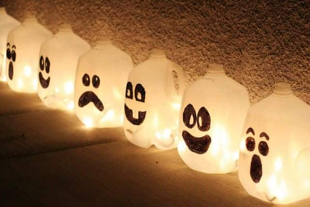 Ghost Milk jugs from Eighteen 25 and other great easy DIY Halloween decorations
