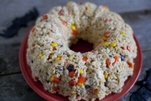 halloween-rice-krispies-treat-cake-450x300