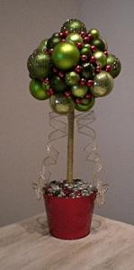 topiary-chrismas-balls-tree71