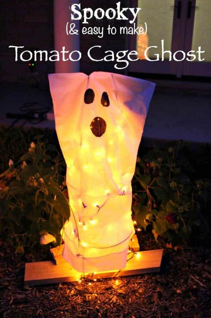 Tomato Cage Ghosts are a super easy Halloween decoration. You only need 4 materials and 10 minutes for this no fail DIY Halloween decor!