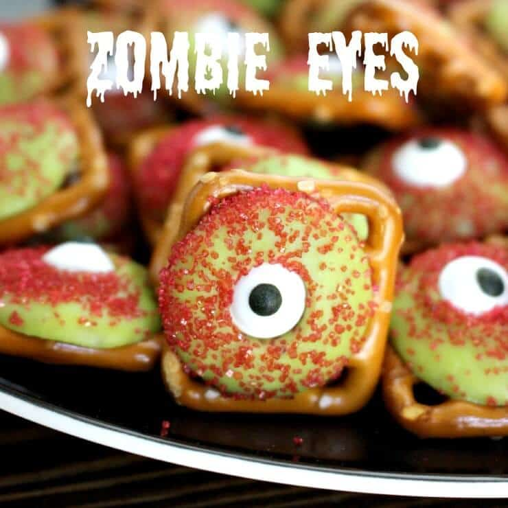 Zombie Eyeball Pretzels - Super easy and fun Halloween treat!