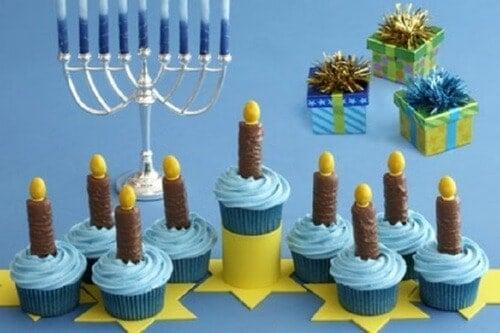 menorah_cupcakes