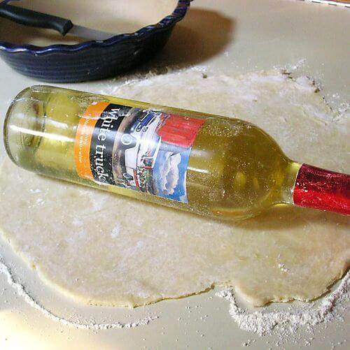 roll_dough_with_a_wine_bottle