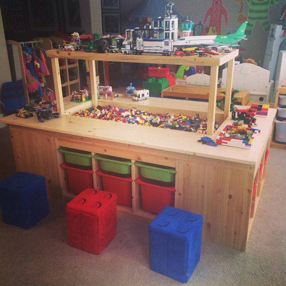 Lego table and organization station