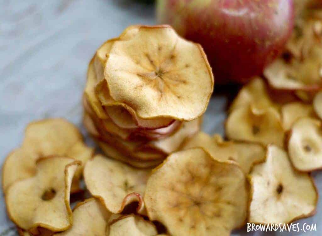 Crunchy Apple Chips by Living Sweet Moments