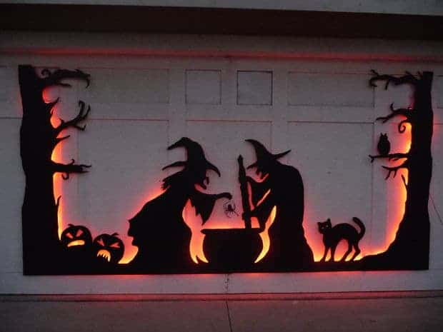 Garage Door Silhouette from Instructables and other easy Halloween decorations