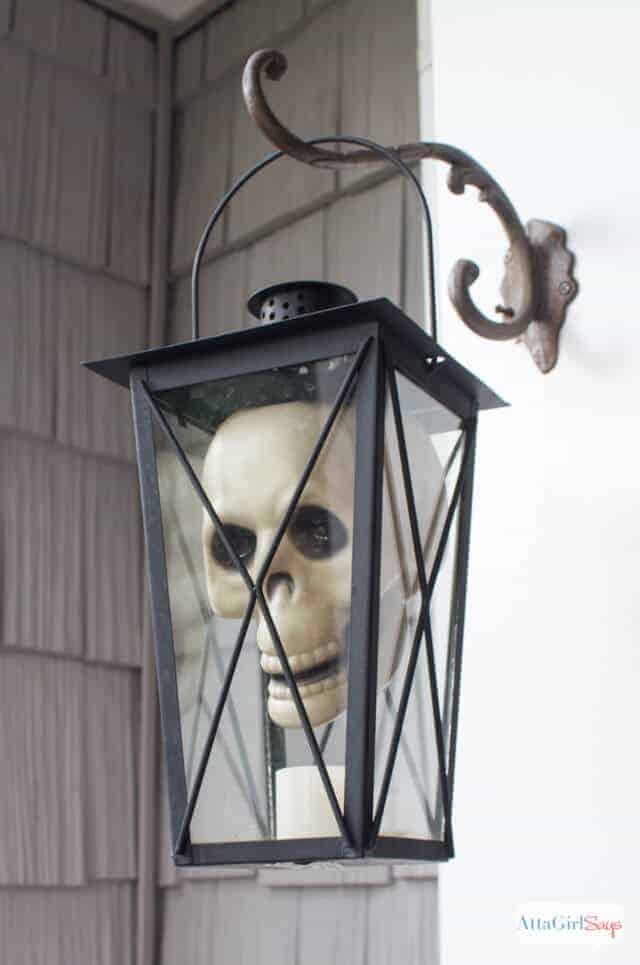 Skull Hanging Lantern by Atta Girl Says and other easy outdoor Halloween decorations