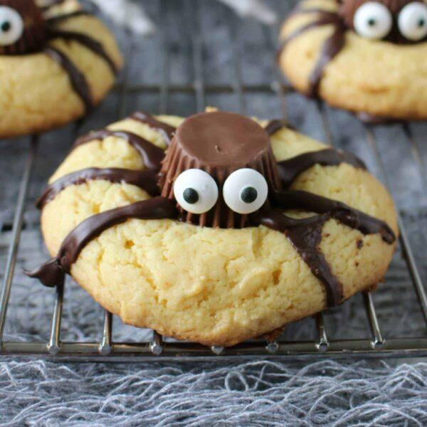 Easy Halloween Spider Cookies