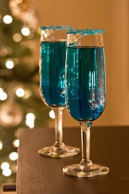Blue Sparkling Star Cocktails by Announcing It