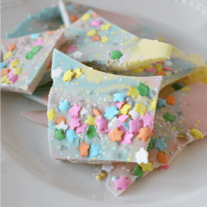 Unicorn Poop Bark – Only 3 Ingredients!