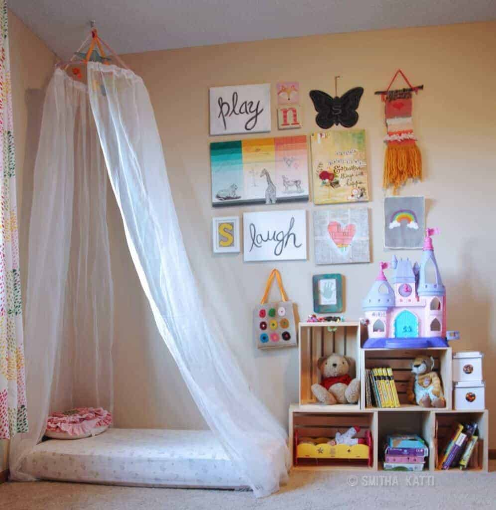 Canopy Kids Room by Smiling Colors
