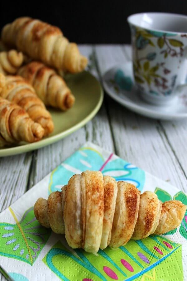 Cinnamon Croissants - easy to make and only 4 ingredients
