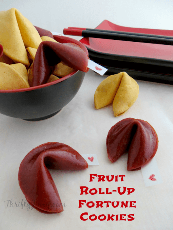 Fruit Roll Up Fortune Cookies from Thrifty Jinxy