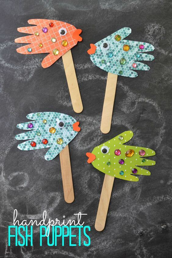 Handprint Fish Puppets by Blitsy