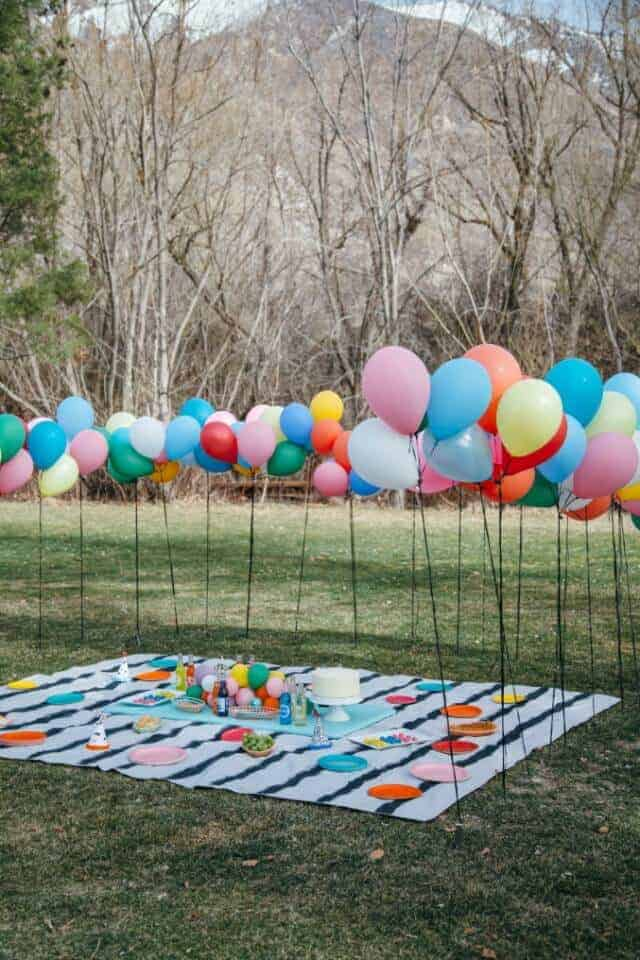 Attach Balloons to Stacks for Outdoor Party from The House That Lars Built