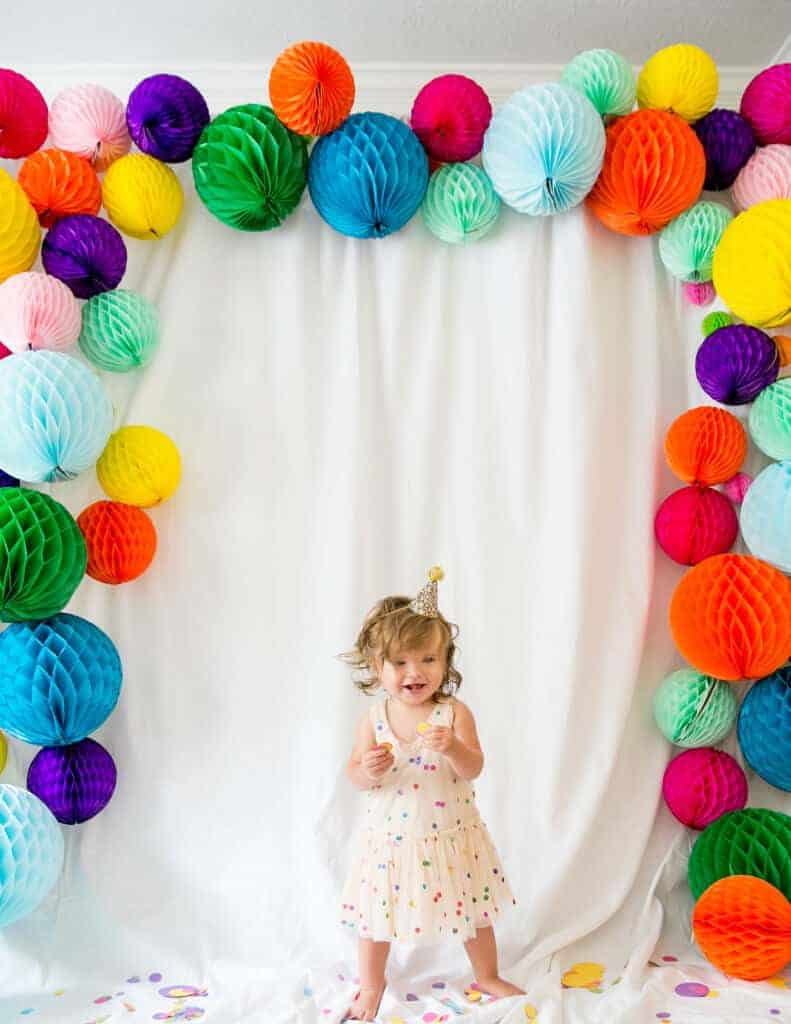 Honeycomb Photo Backdrop featured on Project Nursery