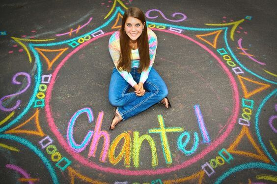 Colorful Chalk Art Senior Picture by Kairariane Photography