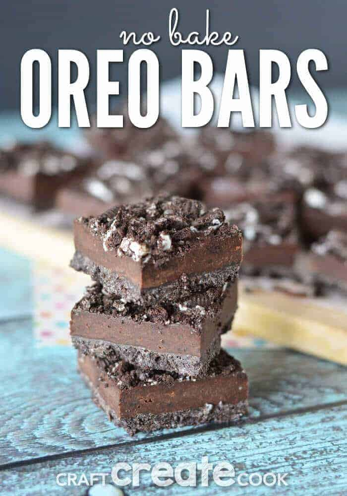 These No Bake Oreo Bars only have 4 ingredients! Crush, mix, refrigerate and you have a delicious dessert ready to go!