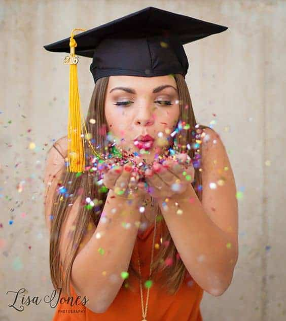 We love the use of the confetti in this great senior picture idea from Lisa Jones Photography!