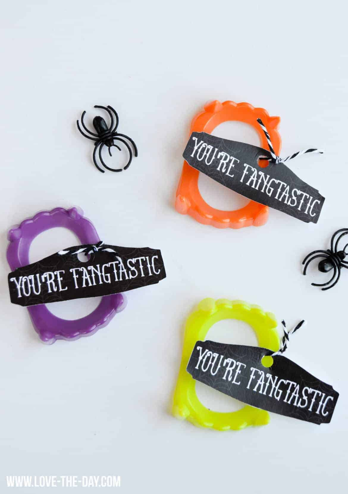 Your Fangtastic Free Printable Tags and Halloween Treats by Real Housemoms