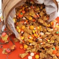 pumpkin spice snack mix featured