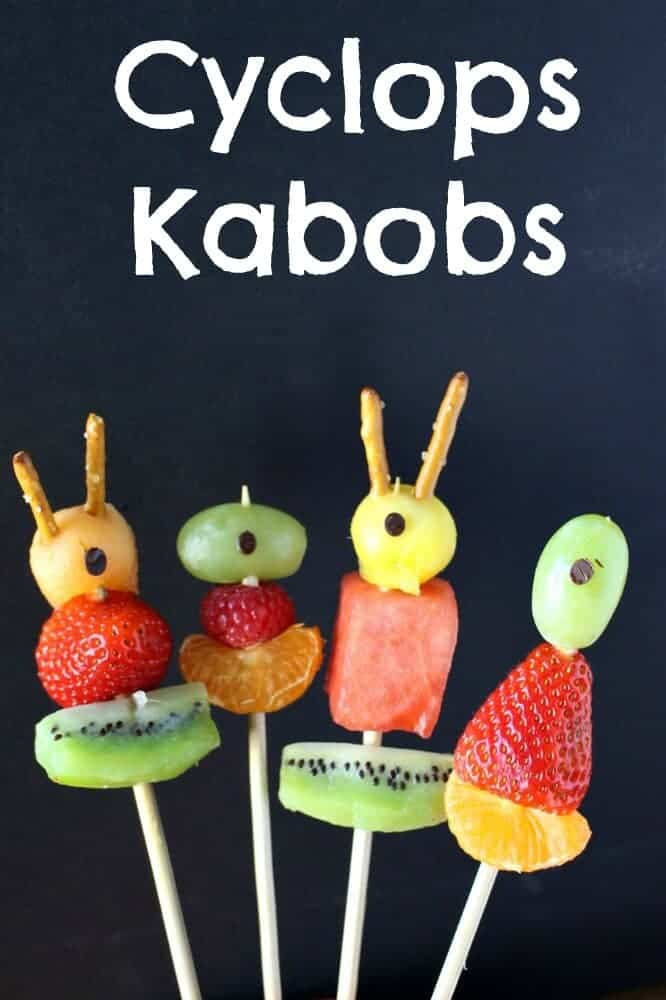 Halloween Fruit Kabobs are the perfect healthy Halloween treat for kids. Halloween Cyclops Kabobs are great for your Halloween Party or classroom party!