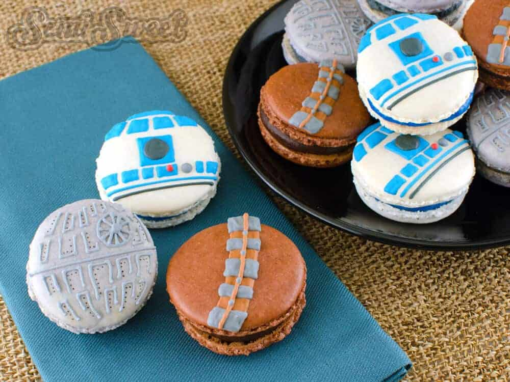 Star Wars Macarons via Semi Sweet Designs | Star Wars Crafts, Recipes and Gift Ideas