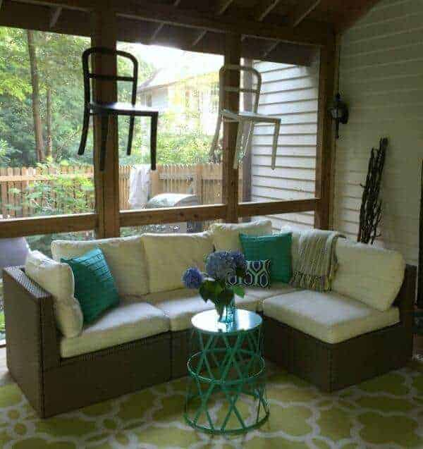 Garage Sale Chair Makeover for a Summer Porch by Today's Creative Life | Garage Sale Makeovers that Wow!