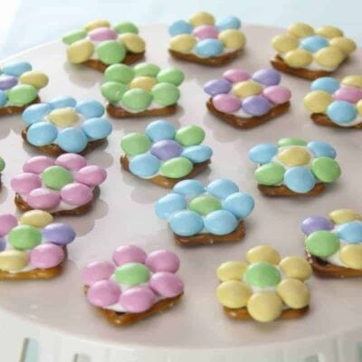 Spring Flower Pretzel Bites – Sweet and Salty Easter Treat