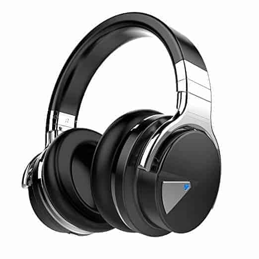 Noise Canceling HeadPhones | The Top Graduation Gift Ideas