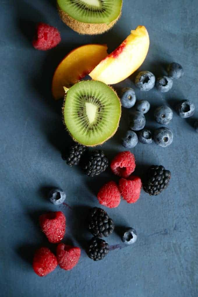 blueberries, kiwi, raspberries, peaches, blackberries - all types of fruit work on your Sugar Cookie Fruit Pizza! Pick your favorites