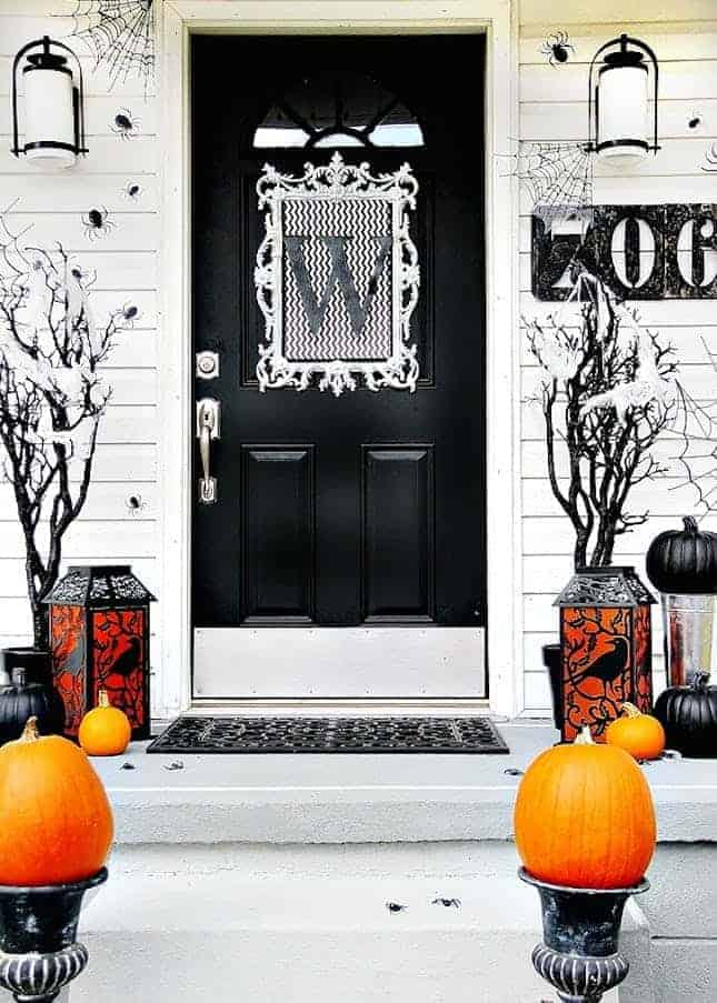 Black and White Halloween Porch by Thistlewood Farms | and other great Halloween Door decorations
