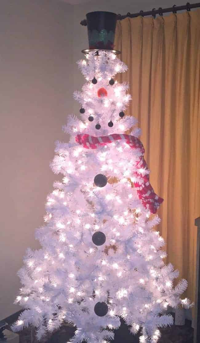 Snowman Christmas Tree by Plum Crazy About Coupons and other unique Christmas Tree Decorating Ideas
