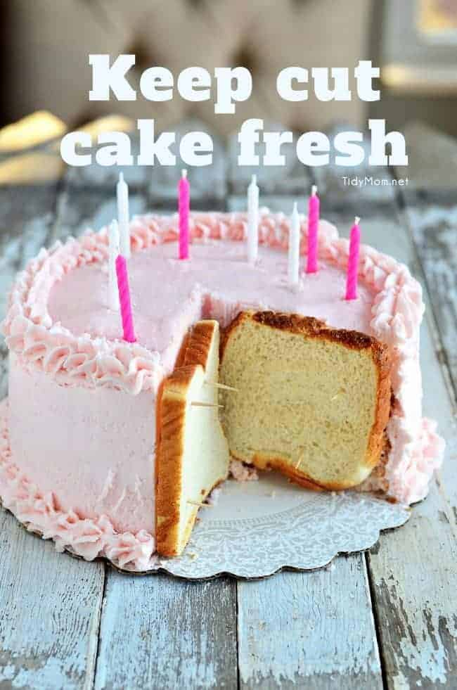 Keep Cut Cake Fresh by Tidy Mom | Become a pro at designing cakes with these cake decorating hacks!