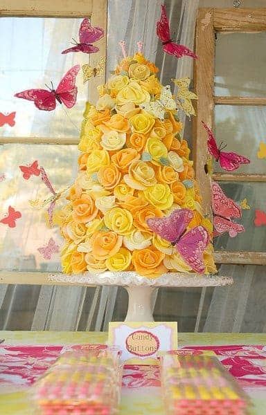 Rose Cake Tower Tutorial by Tikkido | Become a pro at designing cakes with these cake decorating hacks!