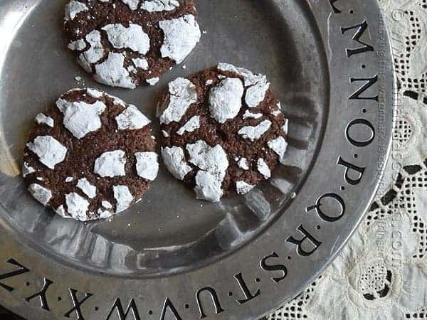 Chocolate Snow Cookies by Amanda's Cookin | The Best Ever Christmas Cookies | Dozens and dozens of delicious Christmas Cookie Recipe ideas!
