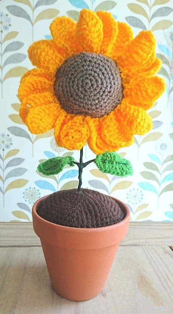 Crochet Sunflower and other adorable crochet ideas