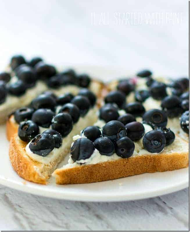 Blueberry Danish by It All Started with Paint and the BEST Weight Watchers Recipes under 7 SmartPoints