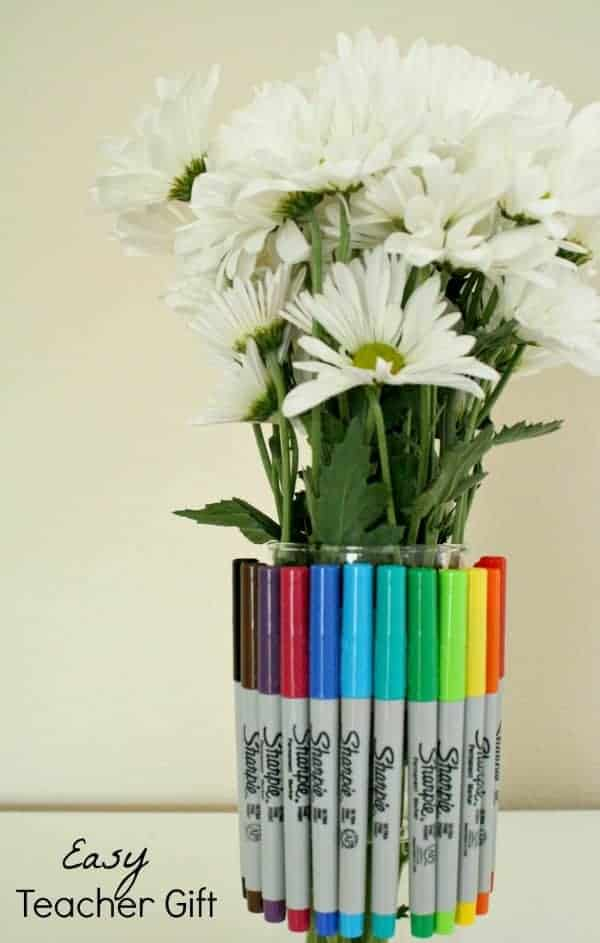 Easy Sharpie Bouquet Teacher Gift by Fantastic Fun and Learning and other great Teacher gift ideas!