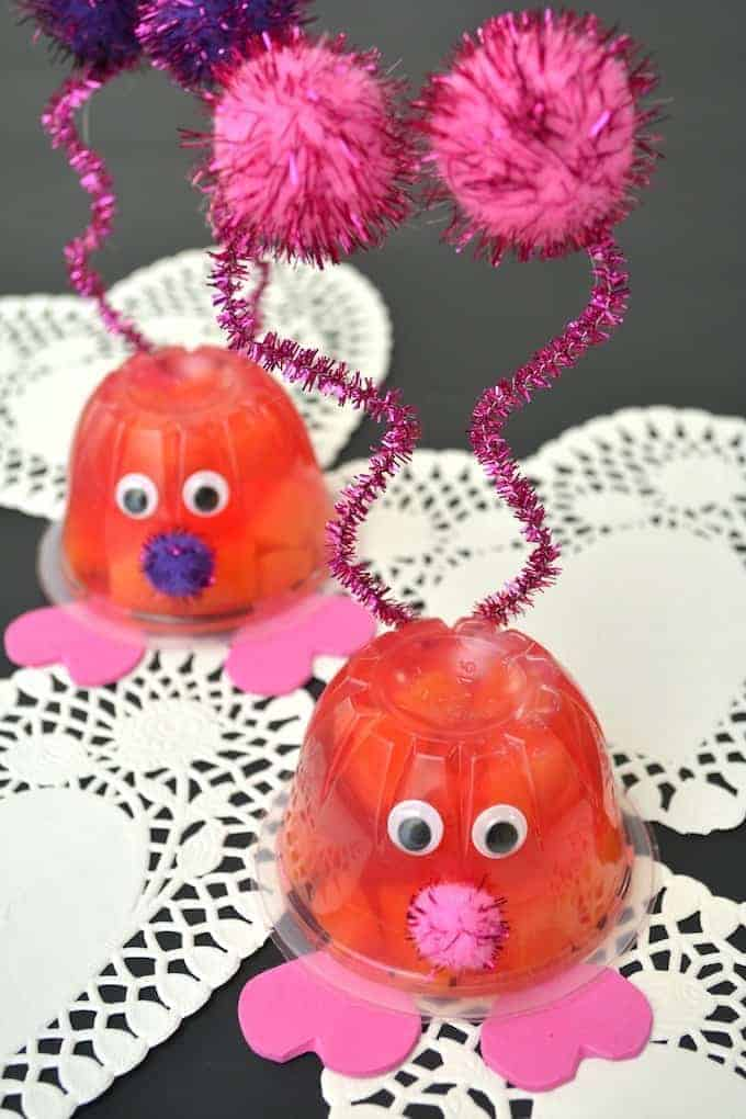 Valentine's Day Love Bug Snack Cup a great healthy Valentine's treat