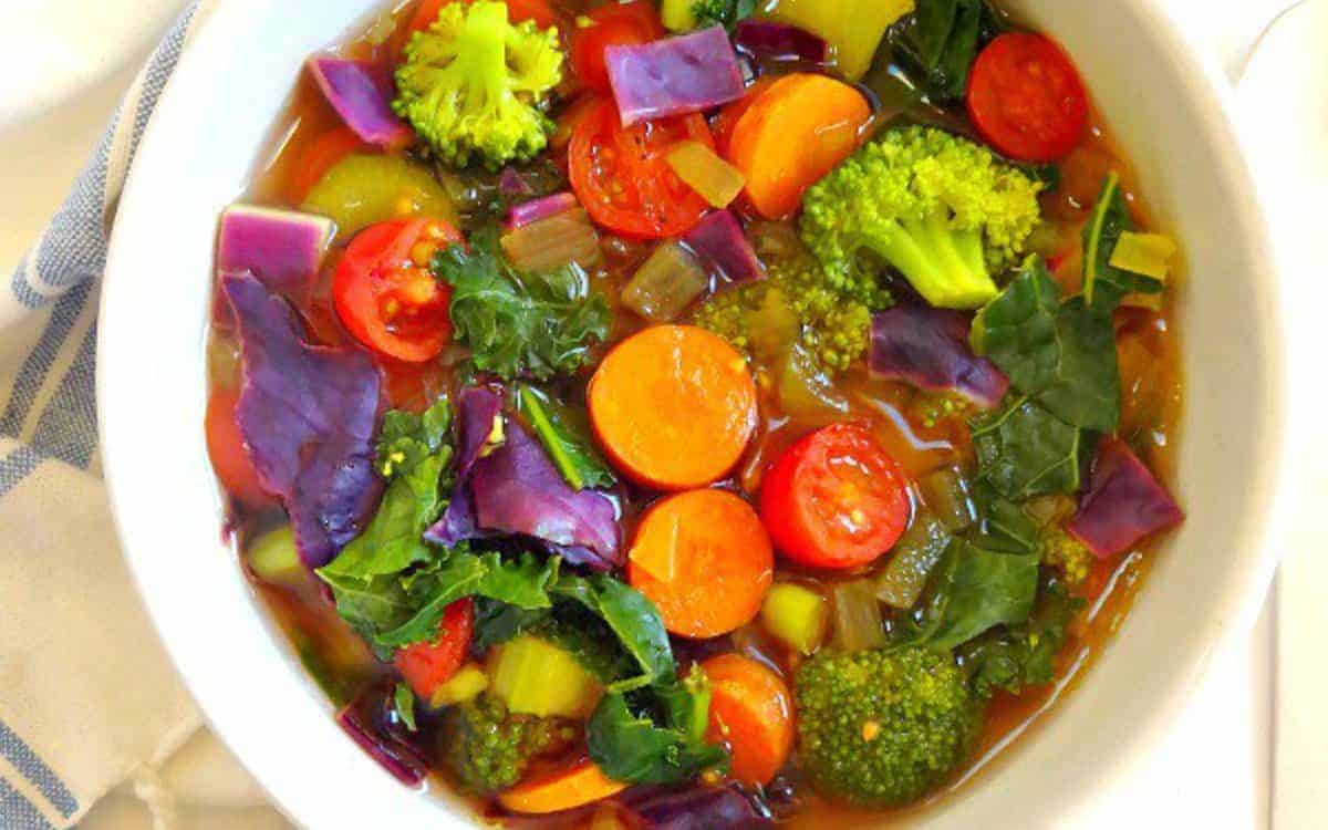 Cleansing Detox Soup by One Green Planet | Detox Soup Recipes and Soup Cleansing Ideas