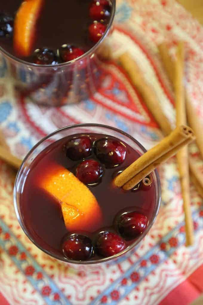 Crock Pot Mulled Wine by Tammilee Tips | Cold Weather Cocktails and More.