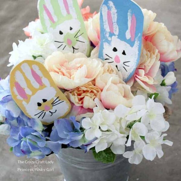 Easter Bunny Handprint Craft – A Spring and Easter Kids Activity