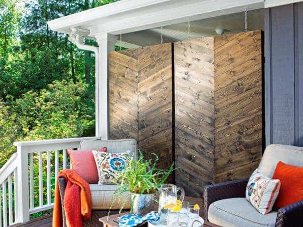 How to Build a Herringbone Privacy Screen via HGTV | DIY Budget Backyard Ideas