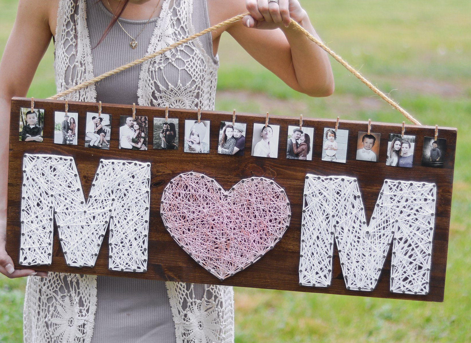 String Art Photo Frame Mother's Day Gift from Lily Ardor at A Creative Life | The Most Fabulous Mother's Day Gift Ideas!