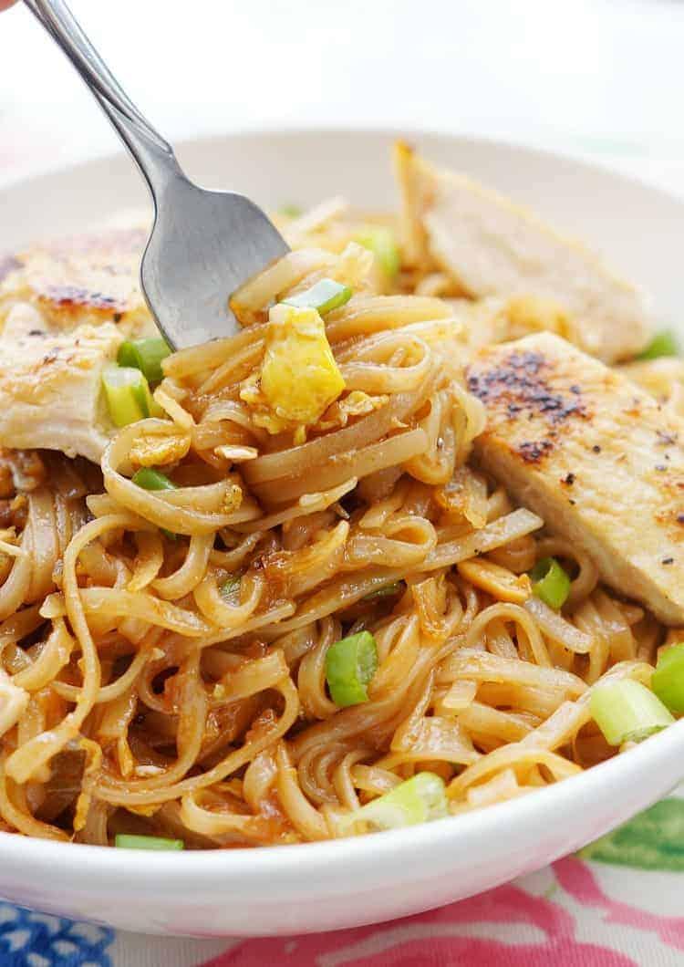 Restaurant style Chicken Pad Thai Recipe