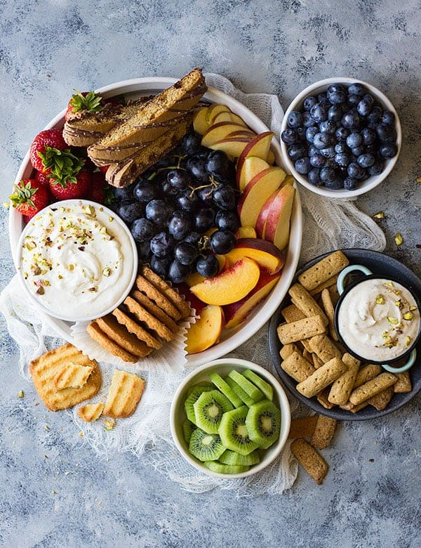 How to Make A Fruit Tray by Countryside Cravings | Party food and entertaining recipes to please a crowd!
