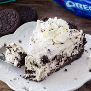 This easy, no bake Oreo Cream Pie is extra creamy and filled with Oreo cookies. Only 5 ingredients and super easy to make.