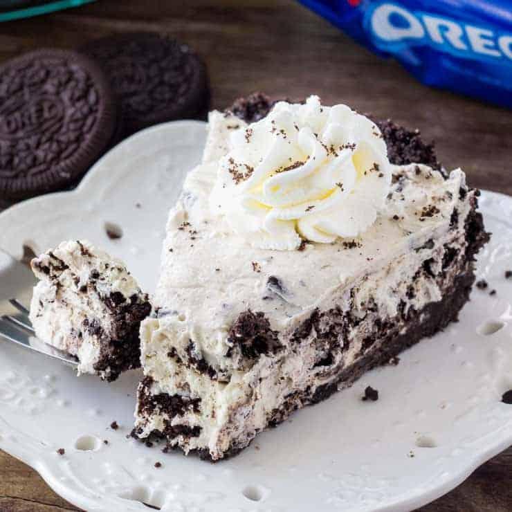 No Bake Oreo Cream Pie - Only 5 ingredients!