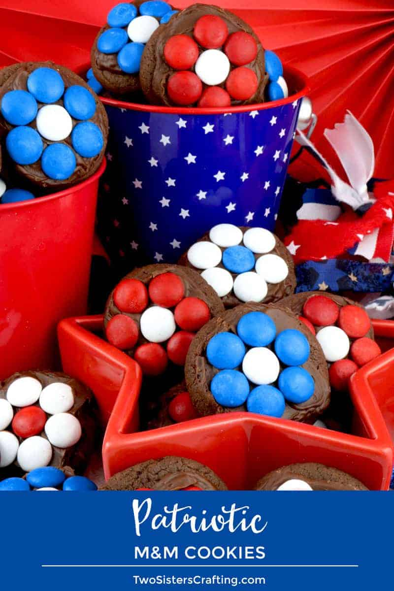 Patriotic Flower M&M Cookies by Two Sisters Crafting | Celebrate with these Patriotic Red White and Blue Dessert Ideas!